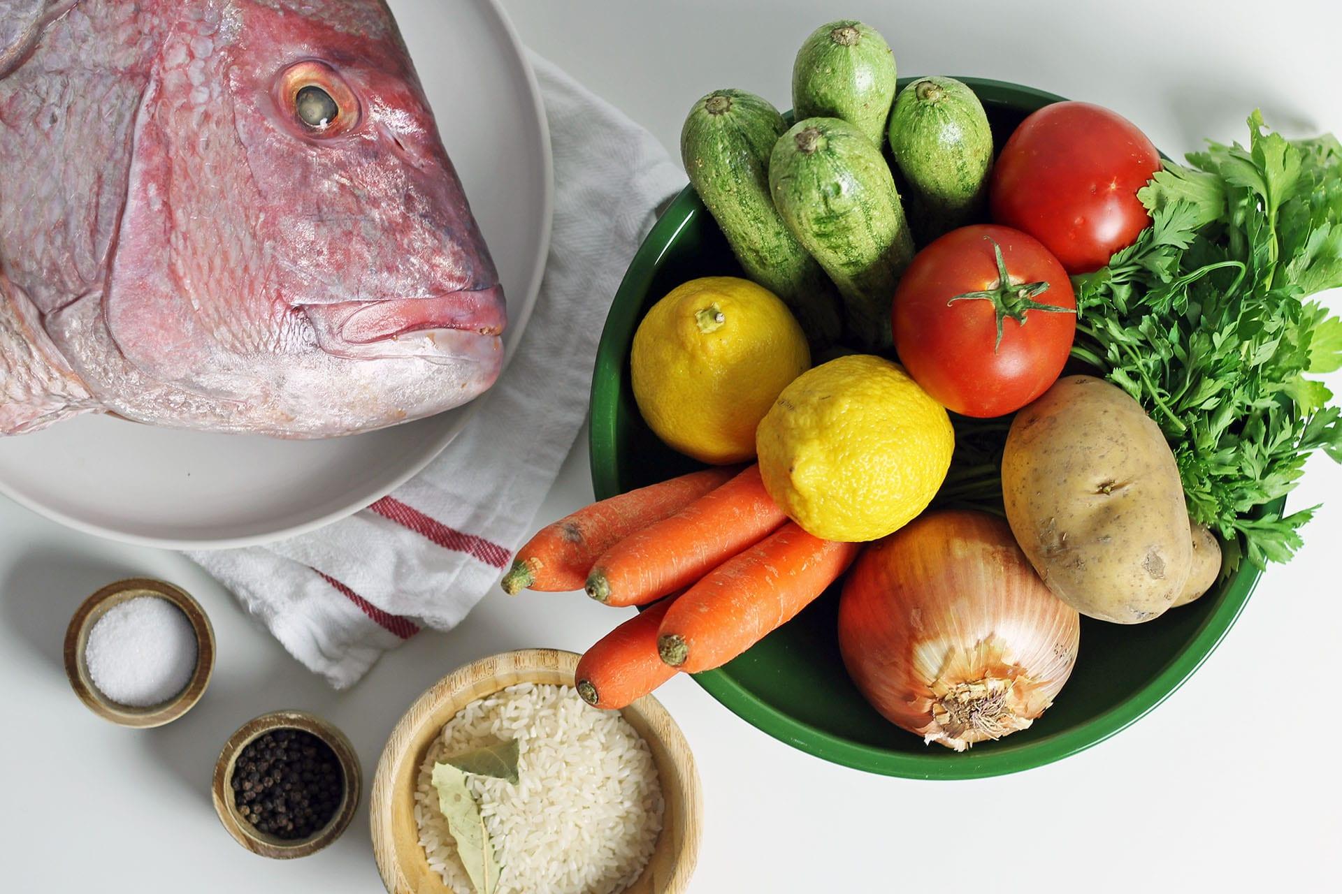 Υλικά για Ψαρόσουπα Αυγολέμονο